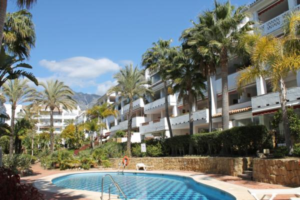 2 Bedroom, 2 Bathroom Apartment For Sale in Las Cañas Beach, Marbella Golden Mile