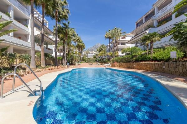 Sold: 2 Bedroom2, Bathroom Apartment in Las Cañas Beach, Marbella Golden Mile