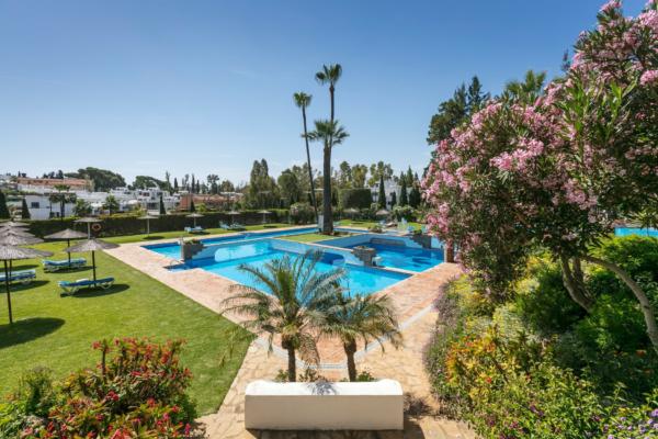 1 Bedroom, 1 Bathroom Penthouse For Sale in Señorio de Marbella, Marbella Golden Mile